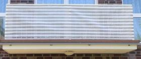 Windschutz Terrasse selber bauen mit Streifen